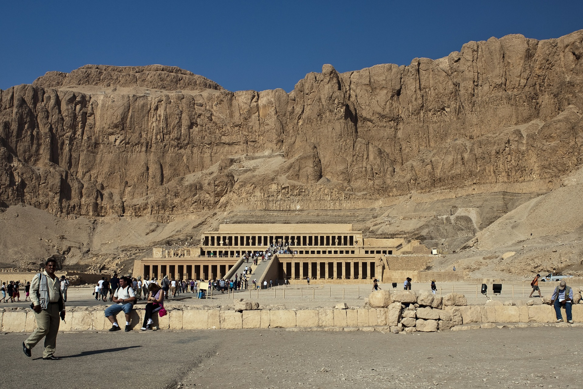 Day 4: Disembarkation, Visit Luxor West Bank – Departure transfer